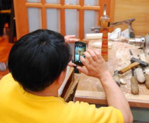 治助古作を研究する阿部国敏 平成25年6月