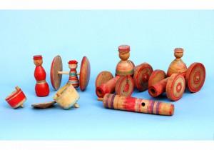 斎藤伊之助宅から出た木地玩具