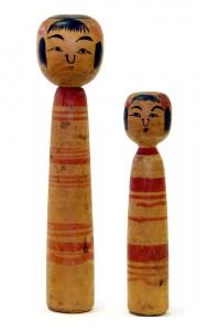〔右より 13.6cm、18.3cm(昭和12年頃)(日本こけし館蔵)〕 深沢コレクション