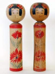 〔右より 42.4cm、39.4cm(昭和15年)(日本こけし館)〕 名和コレクション