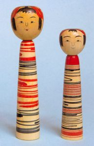 〔右より 16.2cm(昭和62年)、19.5cm(平成2年)(高井佐寿)〕 左:虎吉型