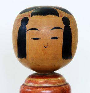 高橋勘治(日本こけし館蔵)の頭部(角髪)