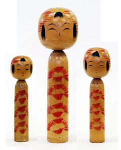 〔右より 20.0cm、29.7cm、18.5cm(昭和13年ころ)(日本こけし館)〕 深沢コレクション