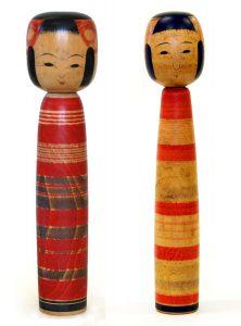 〔右より 24.5cm(昭和13年)、23.2cm(昭和16年)(日本こけし館)〕 深沢コレクション