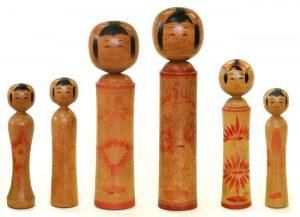 〔右より 12.7cm、16.0cm、23.3cm、20.6cm、14.2cm、13.3cm(昭和15年)(日本こけし館) 深沢コレクション